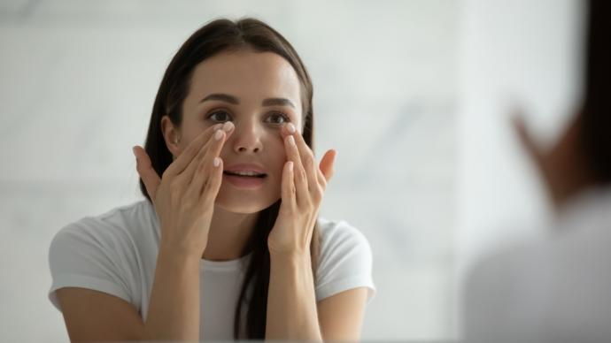 Kwas glikolowy na skórę twarzy: działanie