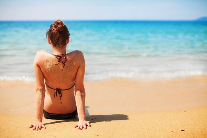 Nadchodzi lato – czy wiesz, jak dbać o okolice intymne?