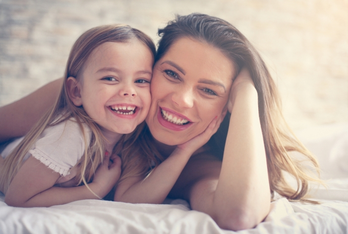 Twoja córka i tematy intymne – co, jak i kiedy powinnaś jej powiedzieć?