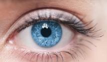 Zaczerwienione oczy: przyczyny i domowe sposoby na powszechny problem