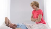 Menopauza i bezsenność – co zrobić, by w końcu się wyspać?