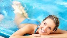 Chcesz być zdrowa i piękna? Pływaj! 10 powodów, dla których warto chodzić na basen.